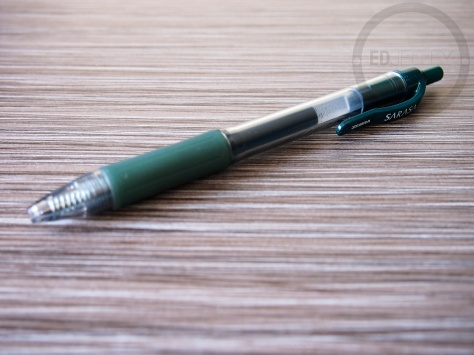 Zebra Sarasa 0.7mm Dark Green Gel Ink Pen Review 8