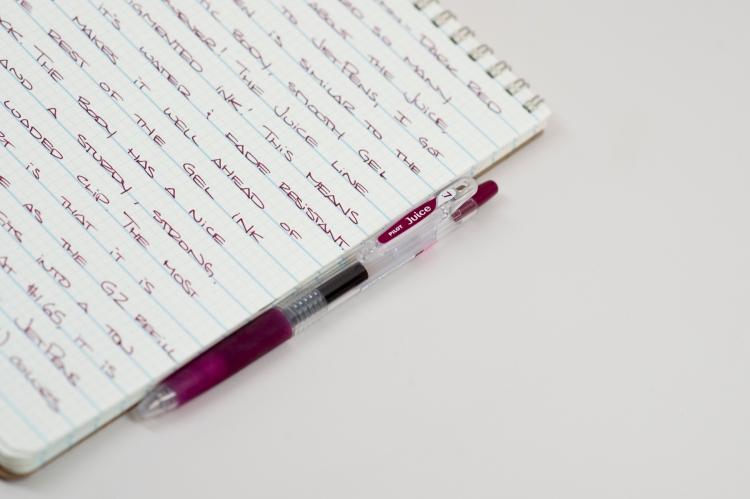 Pilot Juice Dark Red 0.7mm Gel Pen Review-3