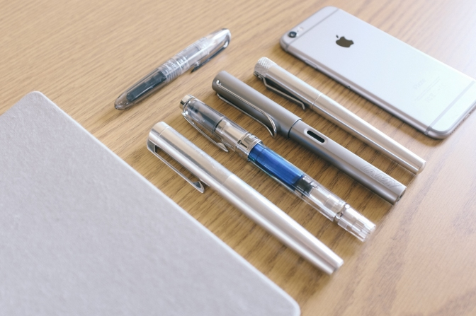 Stationery in Colors – Aluminum Edition