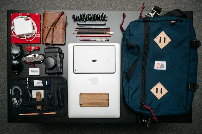 Bag Dump – Here's an inside look at what's in my bag!