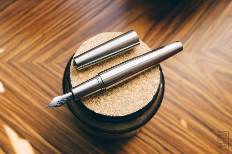 Namisu Nova Titanium Fountain Pen Review-3