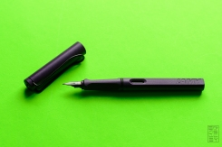 Lamy Safari Dark Lilac Fountain Pen Review Jetpens-4