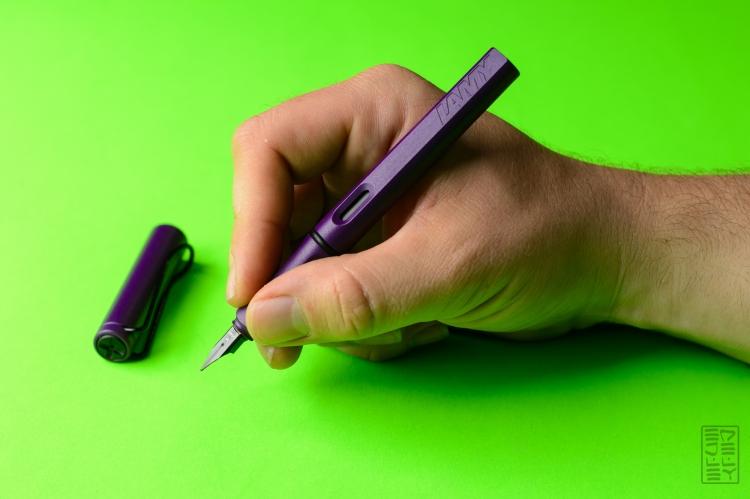 Lamy Safari Dark Lilac Fountain Pen Review Jetpens-7