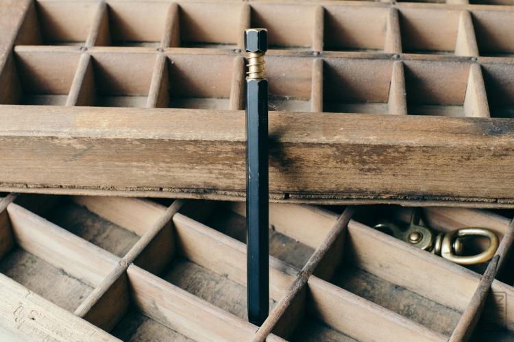 ystudio-brassing-ballpoint-pen-review-12