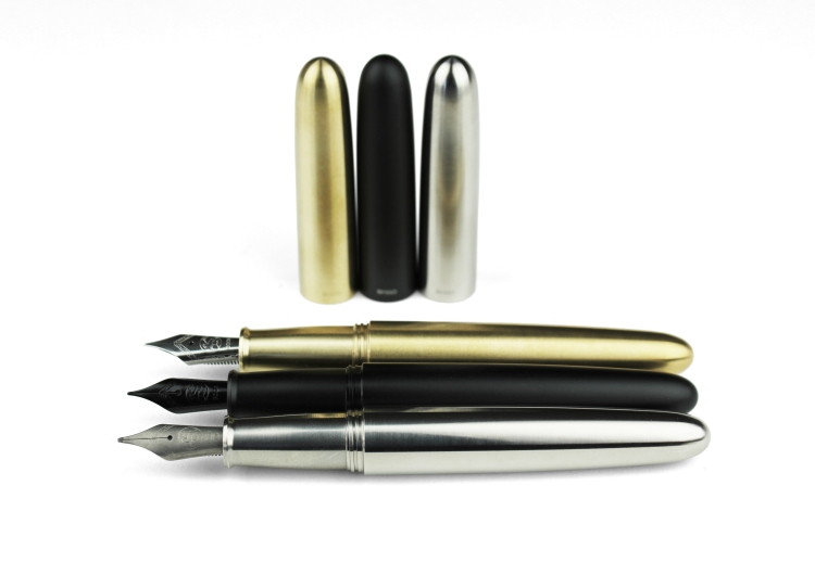 ensso-minimal-fountain-pen-titanium-brass-black-2
