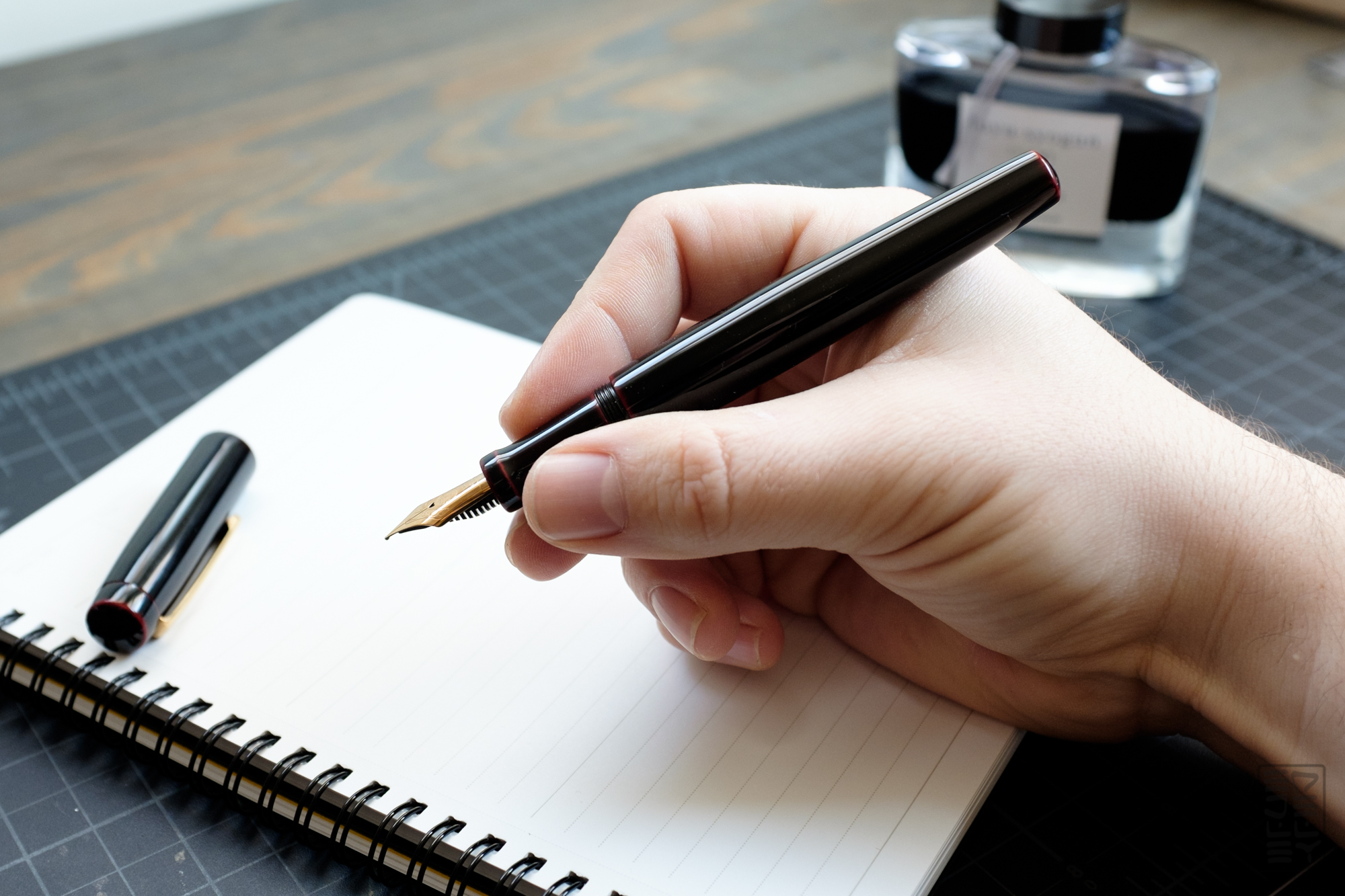 writing with a fountain pen Fountain pens (335 items found) sort by: narrow by: clear all items in the everyday fountain pen for smooth, expressive writing medium stainless steel nib.