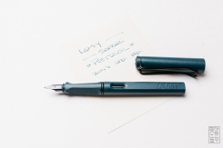 Lamy Safari Petrol Fountain Pen Reivew-9