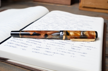 iPenstore Rosetta Magellan Fountain Pen Review-8