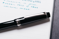 Pilot Custom 912 Fountain Pen Music Nib Review-3