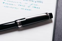 Pilot Custom 912 Fountain Pen Music Nib Review-3