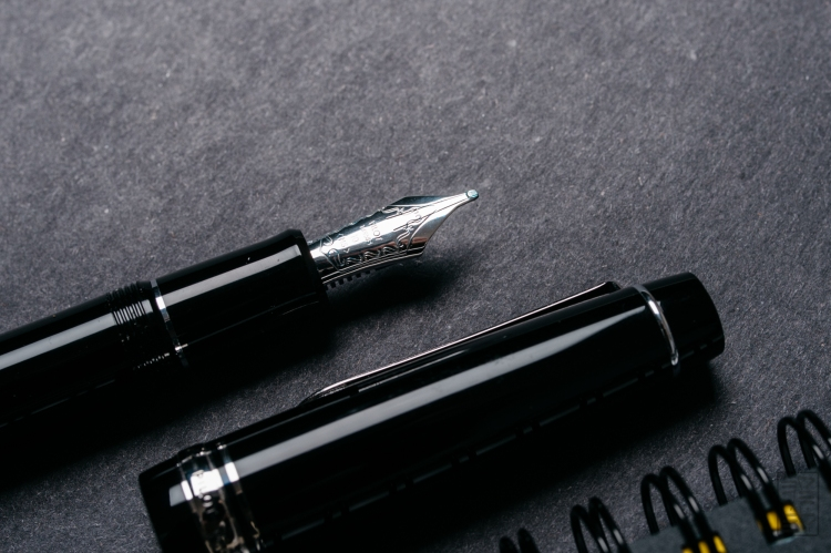 Pilot Custom 912 Fountain Pen Music Nib Review-8